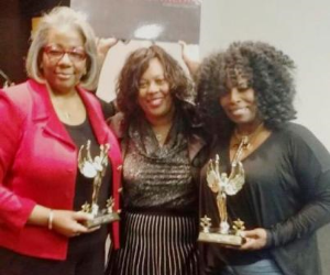 Shanita Akintonde (C) (MBA, M.Ed., ABD, Membership Chair, Ass. Professor -Columbia College) with Media Mavens Hall of Femme 2015 inductees Angela Ingram (R) (VP iHeart Media) and Sundance (1st female DJ on 106.3)