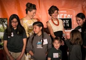 Sarah Ippel and Jeanne Gang with students
