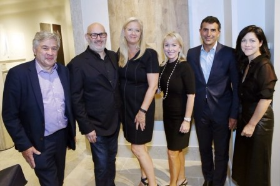 Richard Abbott, owner/president, Paris Ceramics; Mayer Rus, Architectural Digest; Kate Flaherty, VP LuxeHome at The Merchandise Mart; Gayle Anthony, National Dir. Outside Sales, Paris Ceramics; Giulio Capua, publisher Architectural Digest; and Kara Mann, founder/creative dir. Kara Mann Designs