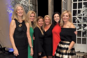 Cindy Monnig, Courtney Jonke, Regi Carfagnini, Kate Kligora, Jacqueline Babb, and Kristin Shea all members of the Winnetka Community House Women's Board and co-chairs