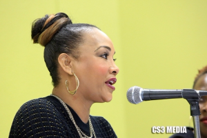 Actress Vivica Fox hosts a forum at Black Women's Expo