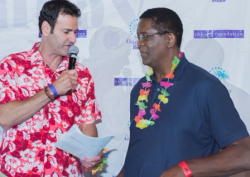 Chicago Bull Bill Cartwright with emcee Pete McMurray