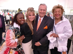 (2nd from L) Donna LaPietra, Bill Kurtis, Dr. Carol Adams and friend