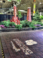 Entry to tribute garden at Flower Show 2016