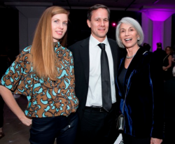 Designer Holly Hunt (R) and guests