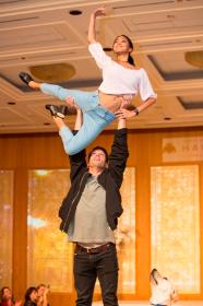 Joffrey Ballet dancers Jeraldine Mendoza and Dylan Gutierrez perform a daring lift