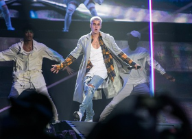 Justin Bieber performs at the Fontainebleau for NYE