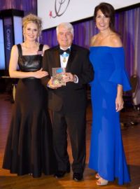 (From L), Alison Ruble (pres/CEO, USO of ILL), James Doc McCloughan (Medal of Honor recipient) and Susan Schneider Williams