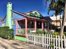 Colorful bungalow in Flamingo Park--West Palm Beach