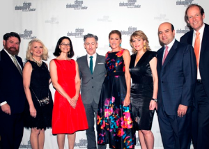 Co-chairs Ally and Suzette Bulley, honoree Anne Pramaggiore, Alan Cumming and co-chairs Barbara Malott-Kizziah, Paulita Pike, Zulfigar Bokhari and Keith Kizziah