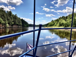 Exquisite view from a Lower Dells boat ride