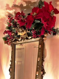 Entryway mirror is ready for its holiday close-up!