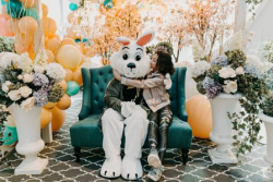 Darling photo opps with the Easter Bunny at The 900 Shops