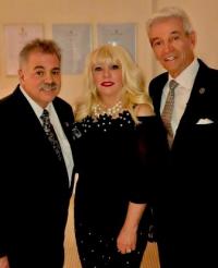 Scott and Charlene Seaman with comedian Tom Dreesen