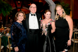 WB pres. Donna Greenberg, Field Museum pres. Richard Lariviere, gala co-chairs Beth Kauffman and Laura Podjasek.
