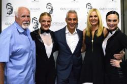 Mayor Rahm Emanuel with Amy Giordano, Alderman Patrick O'Connor, Lauren Giordano Curran and Nicole Belanger