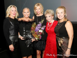 Thanks Chicago Lighthouse! With co-chair Sheree Valukas, FLAIR 2017 honoree Cheri Lawrence, co-chair Sherrill Bodine and Dr. Janet Szlyk (Chicago Lighthouse pres/CEO)