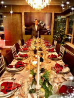 Paul Iacono hosts elegant dinner party