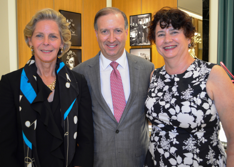 Symphony Board co-chairs Mimi Murley and Leslie Henner Burns with CSOA president Jeff Alexander