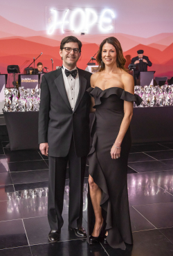 2019 Gala of Hope - mark campbell photography-32_Brian Van Klompenberg and Jen Kurth Van Klompenberg
